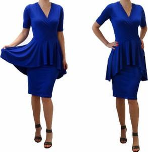 Sukienka Mm Fashion wyszczuplająca z dekoltem w kształcie litery v z tkaniny
