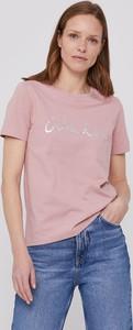 Różowa bluzka Calvin Klein z okrągłym dekoltem