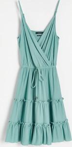Miętowa sukienka Reserved z dekoltem w kształcie litery v w stylu casual kopertowa