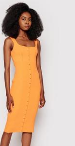 Sukienka Guess dopasowana midi na ramiączkach