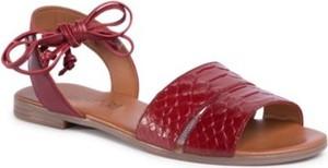 Sandały Lasocki z płaską podeszwą z klamrami