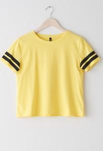 Żółty t-shirt Sinsay z krótkim rękawem