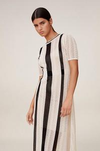 Sukienka Mango z krótkim rękawem z bawełny