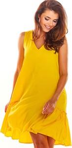 Żółta sukienka Awama na ramiączkach z dekoltem w kształcie litery v