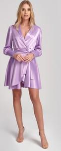 Fioletowa sukienka Olessa z satyny kopertowa z długim rękawem