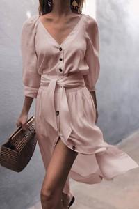 Różowa sukienka IVET z dekoltem w kształcie litery v z długim rękawem szmizjerka