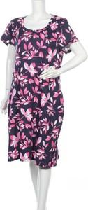 Sukienka Victoria Hill midi z krótkim rękawem