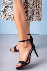 Sandały Casu na wysokim obcasie w stylu klasycznym z klamrami