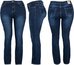 Granatowe jeansy Royalfashion.pl z jeansu w street stylu