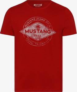 Czerwony t-shirt Mustang z krótkim rękawem z dżerseju