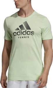 Zielony t-shirt Adidas w sportowym stylu z bawełny z krótkim rękawem