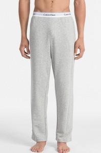 Spodnie sportowe Calvin Klein w sportowym stylu