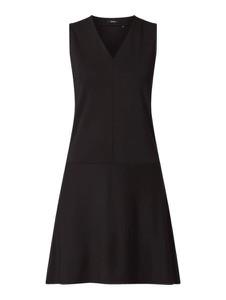 Czarna sukienka Opus trapezowa w stylu casual