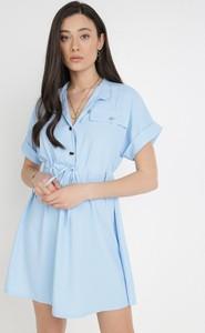 Niebieska sukienka born2be z krótkim rękawem mini koszulowa