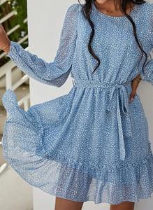 Niebieska sukienka Sandbella z okrągłym dekoltem mini z długim rękawem