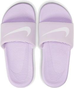 Fioletowe klapki Nike z płaską podeszwą