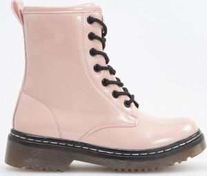 Różowe buty dziecięce zimowe Reserved sznurowane