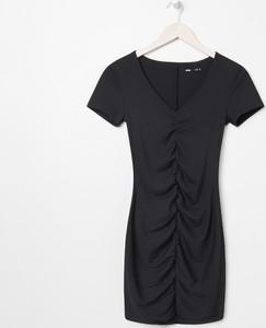 Czarna sukienka Sinsay mini w stylu casual