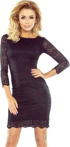 Czarna sukienka NUMOCO mini dopasowana z okrągłym dekoltem