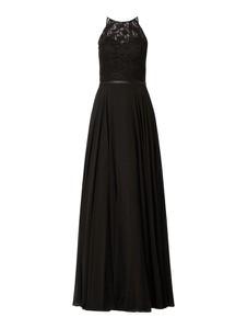 Czarna sukienka Luxuar z dekoltem w kształcie litery v