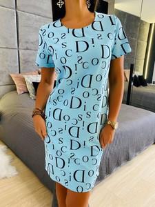 Niebieska sukienka ModnaKiecka.pl z krótkim rękawem mini z okrągłym dekoltem