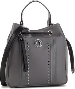 Czarna torebka Monnari na ramię w stylu casual średnia