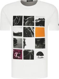 T-shirt Replay z krótkim rękawem z nadrukiem w młodzieżowym stylu