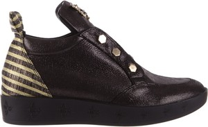 Czarne buty sportowe bayla na koturnie ze skóry