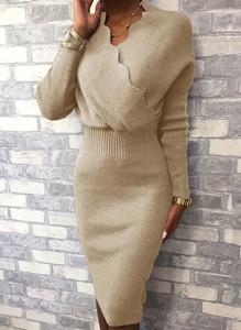 Sukienka Cikelly z długim rękawem w stylu casual z dekoltem w kształcie litery v