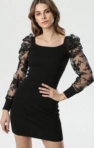 Czarna sukienka born2be mini dopasowana