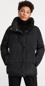 Czarna kurtka Reserved krótka w stylu casual