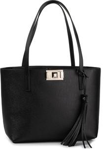Czarna torebka Furla z frędzlami matowa na ramię