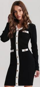 Czarna sukienka Renee z długim rękawem w stylu casual