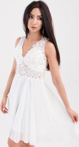 Sukienka Butik Ecru z szyfonu z dekoltem w kształcie litery v mini