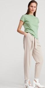 Zielony t-shirt Reserved z bawełny z okrągłym dekoltem