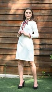 Sukienka Justmelove z okrągłym dekoltem z długim rękawem