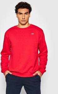 Czerwona bluza Fila w sportowym stylu