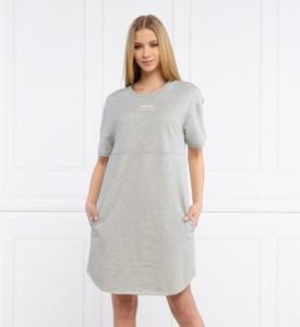 Sukienka Armani Exchange z okrągłym dekoltem