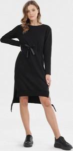 Czarna sukienka born2be w stylu casual