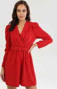 Czerwona sukienka born2be z długim rękawem mini