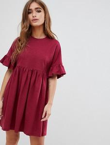 Różowa sukienka Asos z okrągłym dekoltem w stylu casual