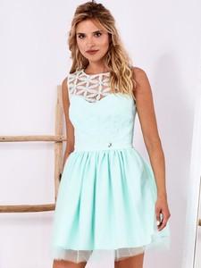 Niebieska sukienka Factory Price z okrągłym dekoltem rozkloszowana