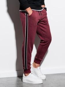 Czerwone spodnie sportowe Ombre z dresówki