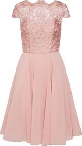 Różowa sukienka Chi Chi London