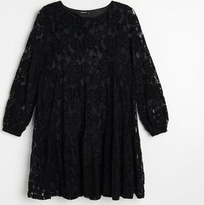Sukienka Reserved w stylu casual mini z długim rękawem
