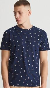 Niebieski t-shirt Reserved w młodzieżowym stylu