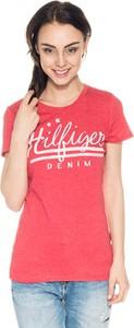 Różowy t-shirt Hilfiger Denim z krótkim rękawem