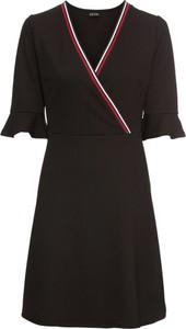 Sukienka bonprix BODYFLIRT rozkloszowana midi w sportowym stylu