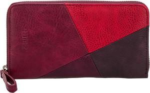 Czerwony portfel Zwei