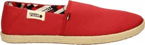 Czerwone buty letnie męskie Tommy Hilfiger z tkaniny